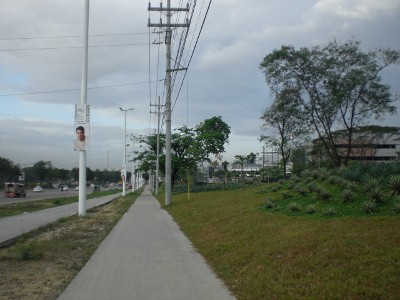 Sidewalk approaching UP-AyalaLand TechnoHub